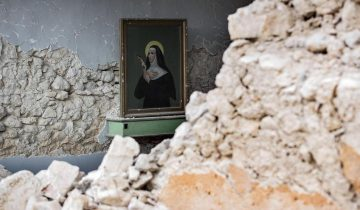 Aftershocks continue in quake-ravaged central Italy