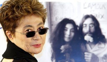 TOK09 - 20021209 - SAITAMA, JAPAN : Yoko Ono poses for photographers during a press conference before a charity concert to commemorate her late husband John Lennon in Saitama, suburban Tokyo, 09 December 2002, one day after the 22nd aniversary of his death. About 14,000 people gathered at the concert today to raise a fund to build elementary schools in Asia and Africa. EPA PHOTO AFPI