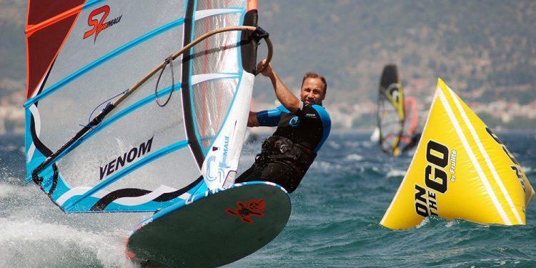 slalom-windsurf