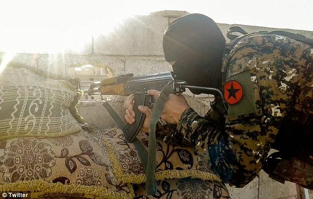 tagma-gei-syria3
