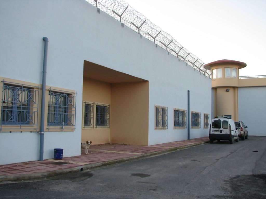 99 θέσεις κενές στις φυλακές των Χανίων