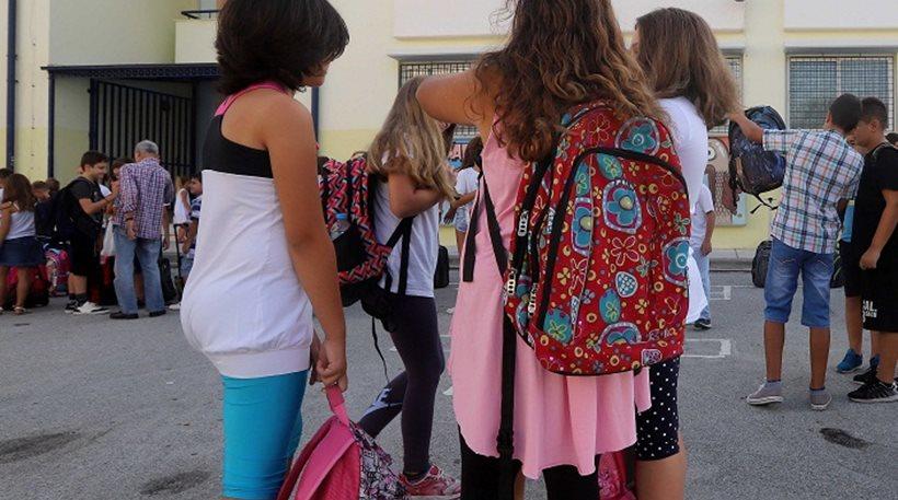 Αποτέλεσμα εικόνας για μαθητης με τσαντα