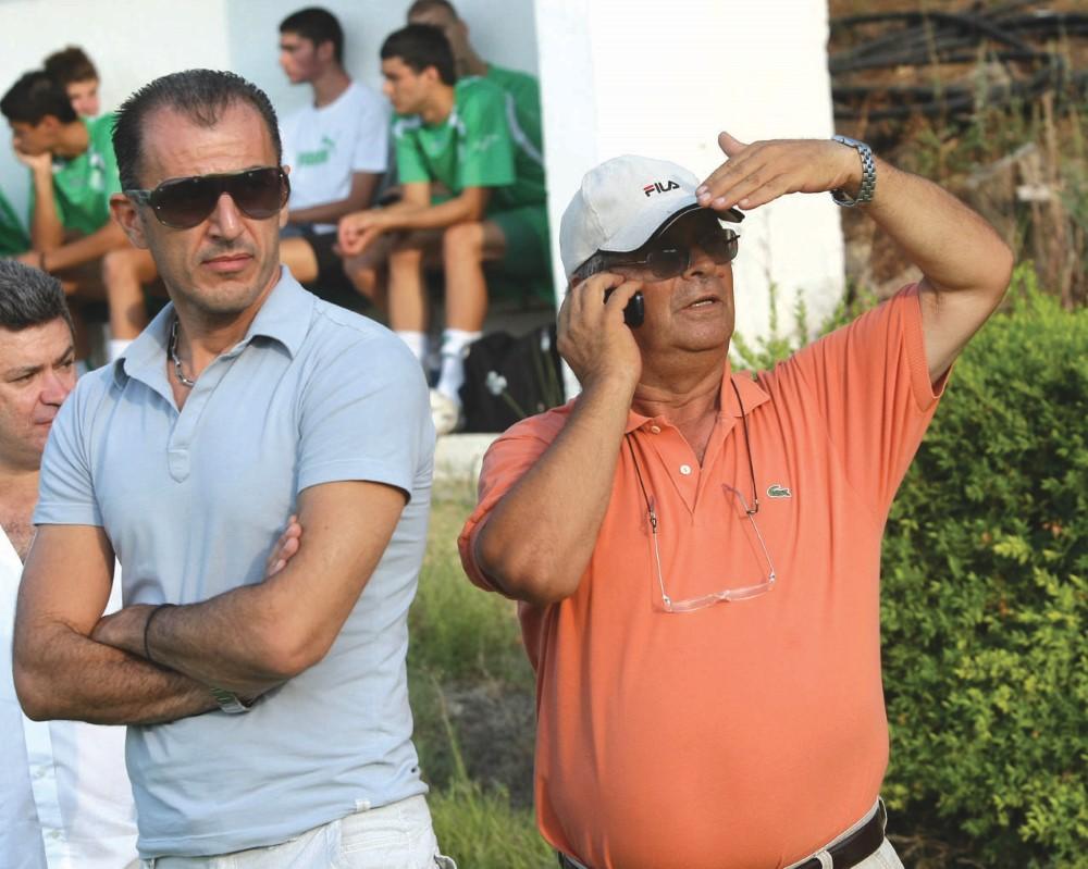 Αριστερά ο Γιάννης Νταουσιάνης, δεξιά ο Γιώργος Βλαχάκης.