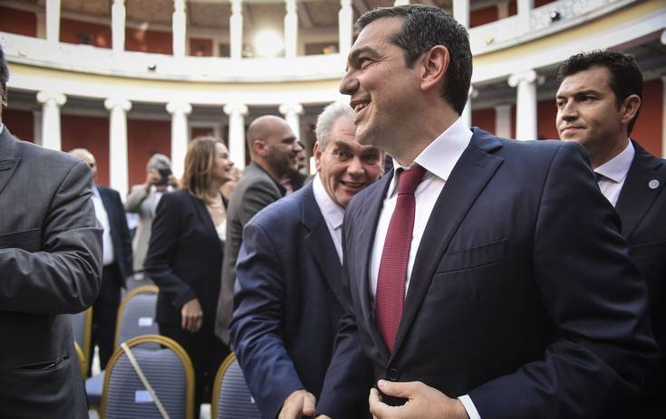 tsipras-gravata2
