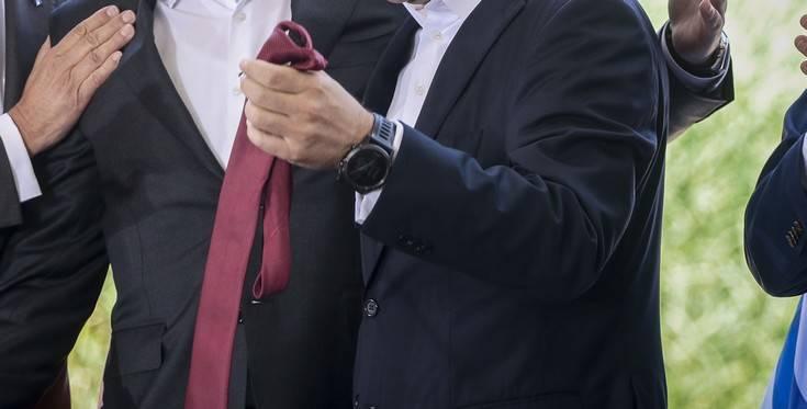 tsipras-gravata4