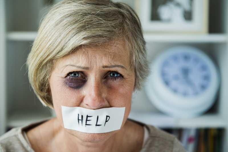 Κακοποίηση Ηλικιωμένων: Ένα φαινόμενο στο οποίο πρέπει να ριχθεί φως |  Cretapost.gr