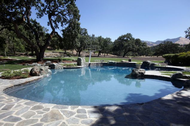 neverland-pool