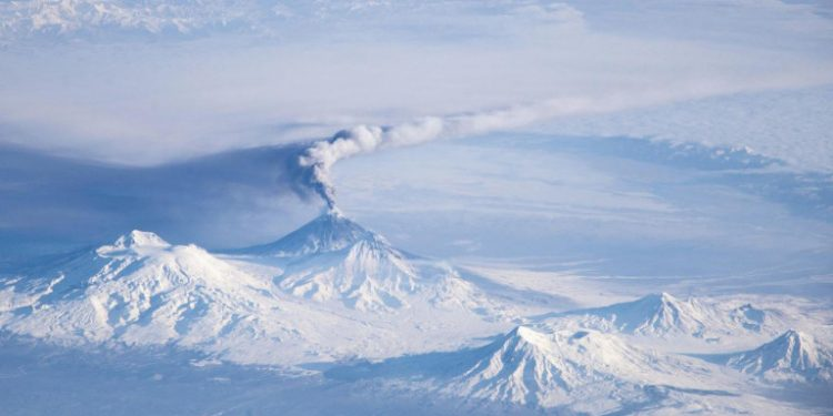 kamchatka-volcanoes