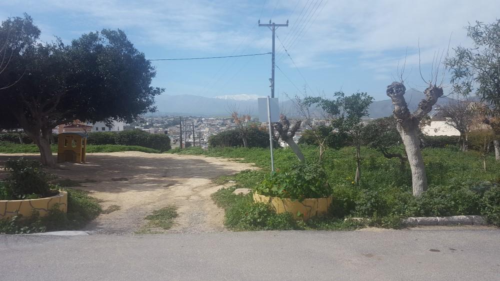 Το πάρκο Καραμανλή πριν την ανάπλαση.