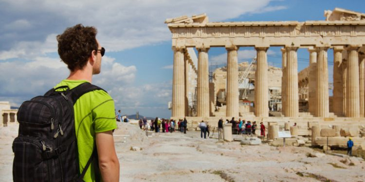 touristes-touristas-tourismos-akropoli-ellada-2019