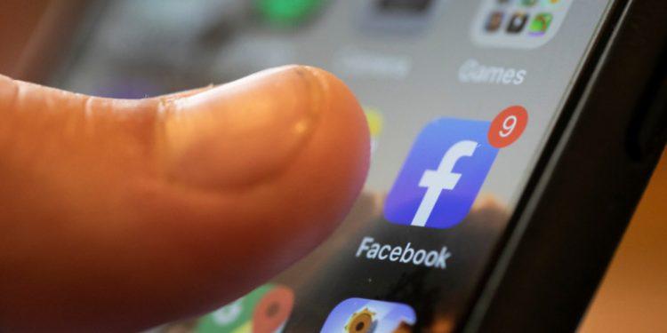 facebook-cell-1300