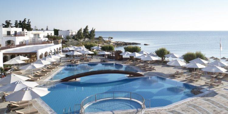 3-creta-maris-main-pool