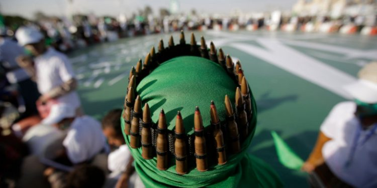 yemeni-andras-me-sfaires-sto-kefali
