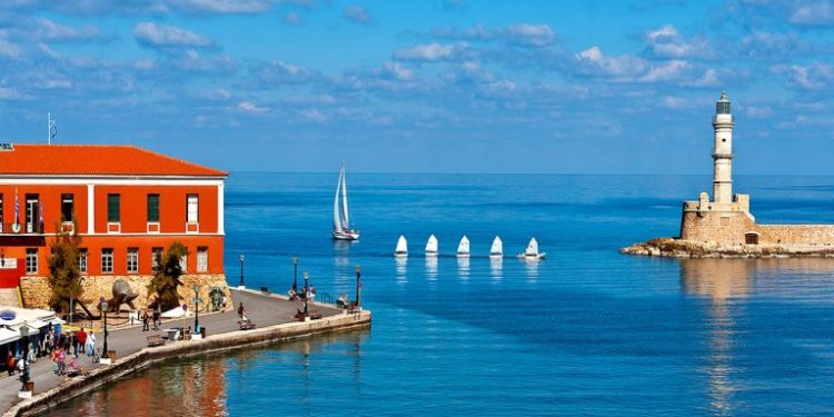 chania-travel-guide-beaches-accommodation-768x402