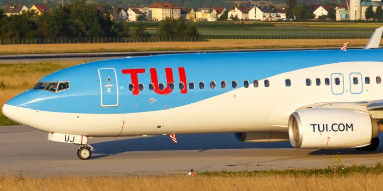 tui-myti-aeroplanou