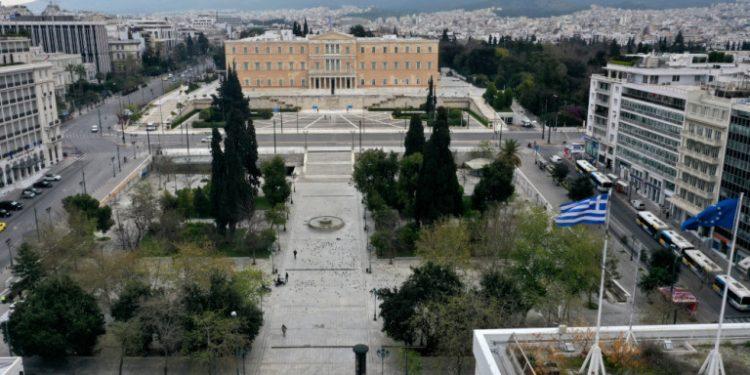koronoios-athina-adeia-plateia-sintagmatos