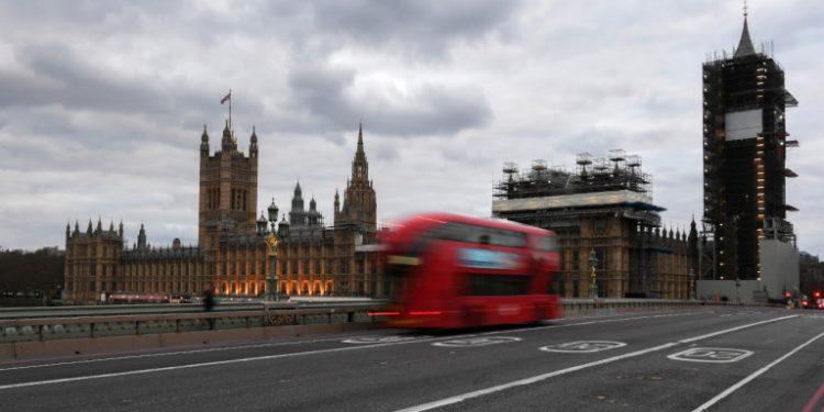 londino-nekroi-korwnoios
