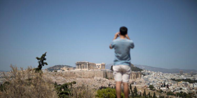 touristas-lofos-akropoli-diakopes