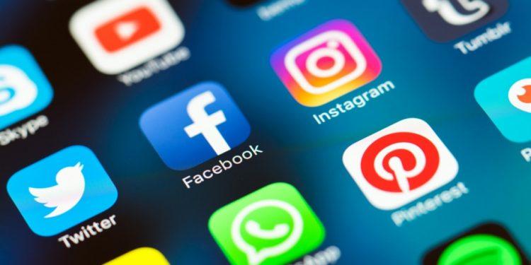 social-apps-facebook-instagram-st