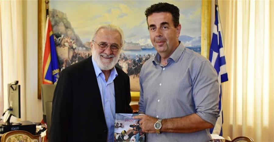 Ο Δήμαρχος Ναυπλιέων Δημήτρης Κωστούρος με τον σκηνοθέτη Γιάννη Σμαραγδή. Άδεια χρήσης Φωτό/Video Γιώργος Ρασσιάς