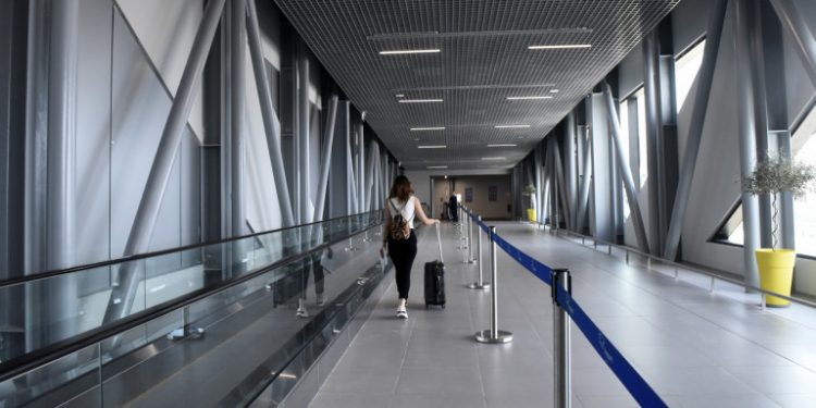 aerodromio-ptiseis-koronoios-16-06-2020