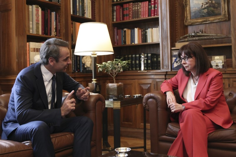 Meeting between the President of the Hellenic Republic Aikaterini Sakellaropoulou and the Greek Prime Minister Kyriakos Mitsotakis, at the presidential mansion, Athens, June 3, 2020 / Συνάντηση της Προέδρου της Δημοκρατίας Αικατερίνης Σακελλαροπούλου, με τον Πρωθυπουργό Κυριάκο Μητσοτάκη, στο Προεδρικό Μέγαρο, Αθήνα, 3 Ιουνίου, 2020