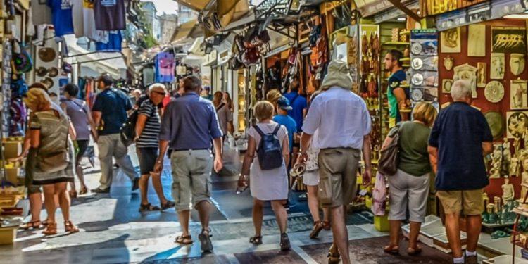 tourists_athens-2476281