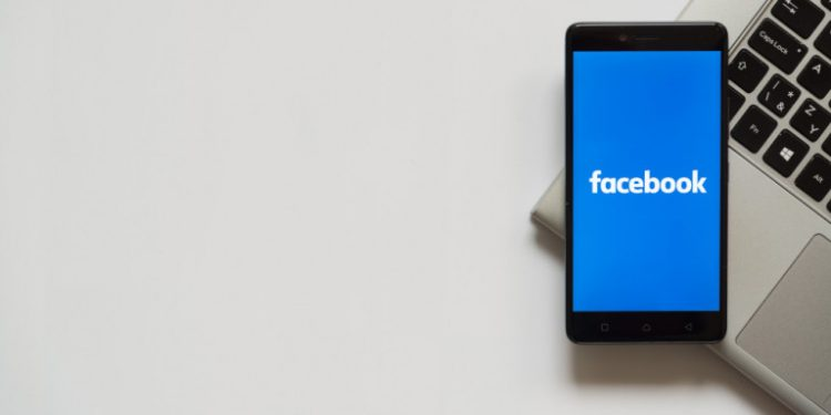 facebook-kinito-se-laptop_0