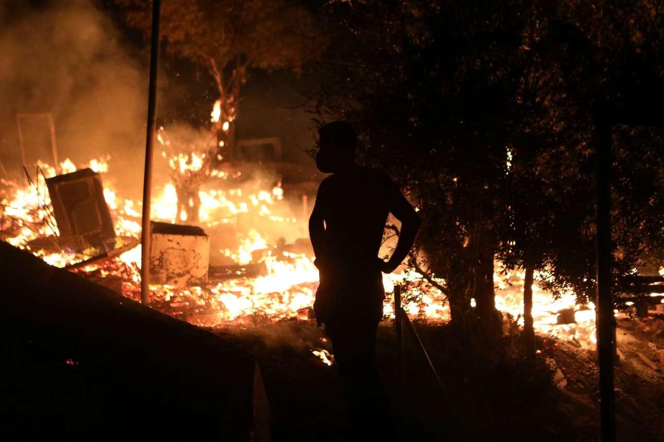 2020-09-09t001129z_1912408457_rc2oui9t989q_rtrmadp_3_europe-migrants-greece-lesbos-fire