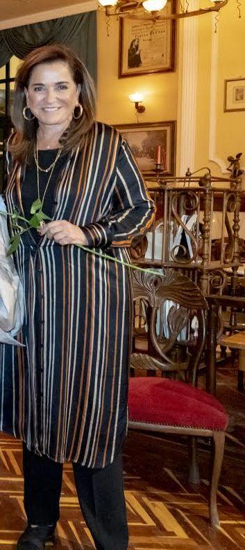 """Η Ντόρα Μπακογιάννη στο Ιστορικό Καφέ """"Κήπος"""""""