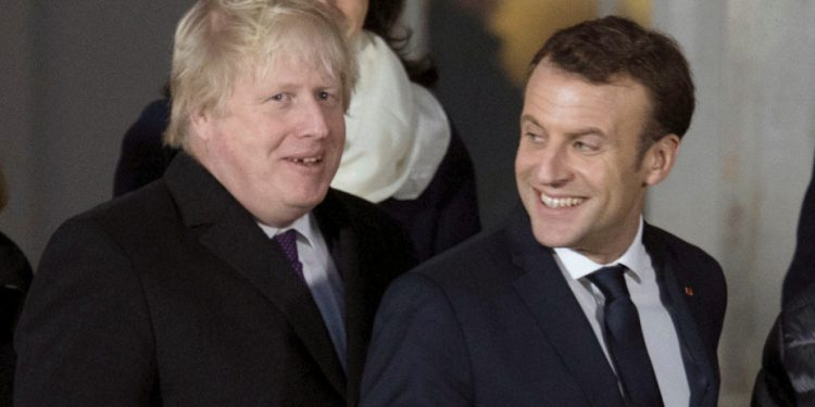 johnson-macron-ap-18018723550136