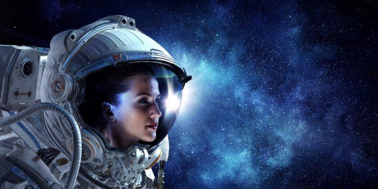 shutterstock_astronaut