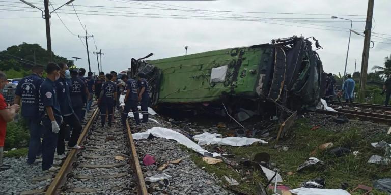 thailand-train-bus-crash-2020-10-11