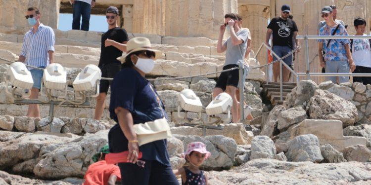 me-maskes-kai-xoris-se-akropoli