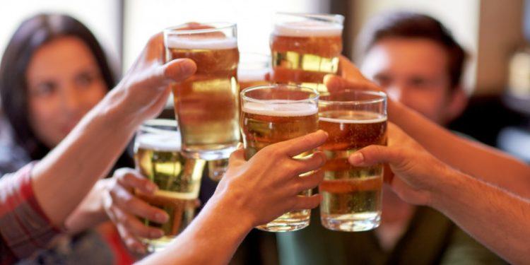 parti-alkool-potiria-mpira-mpyra-party-10-2020
