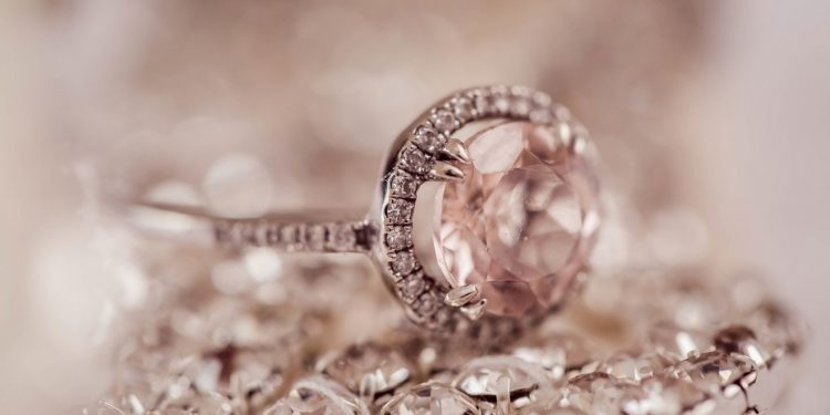 diamond-2594307_1920