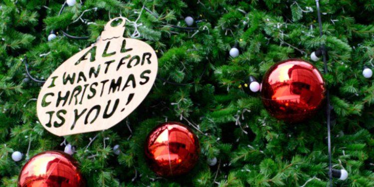 stolidia-xristoygenniatiko-dentro-all-i-want-for-christmas