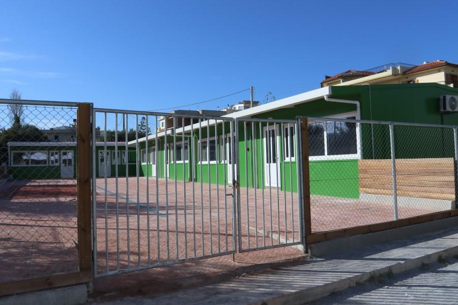 sxoleia-aithouses-3