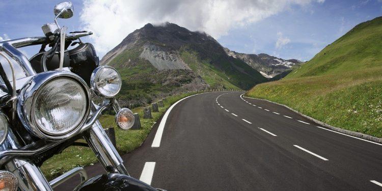 210220114101_moto-road-1980