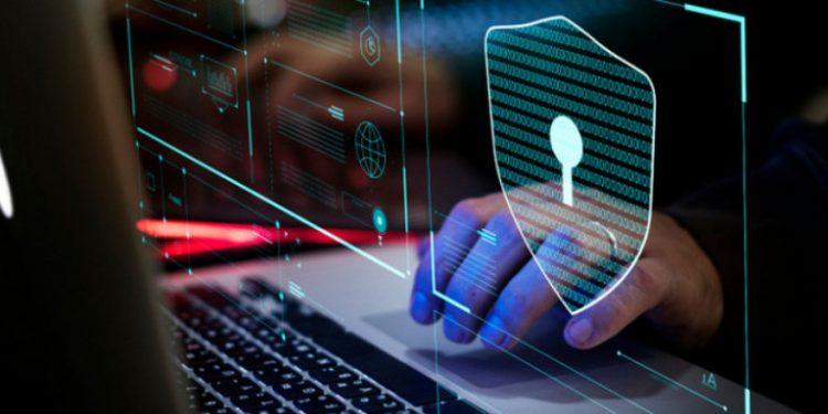 hack-cyber-laptop-passworn-26042019