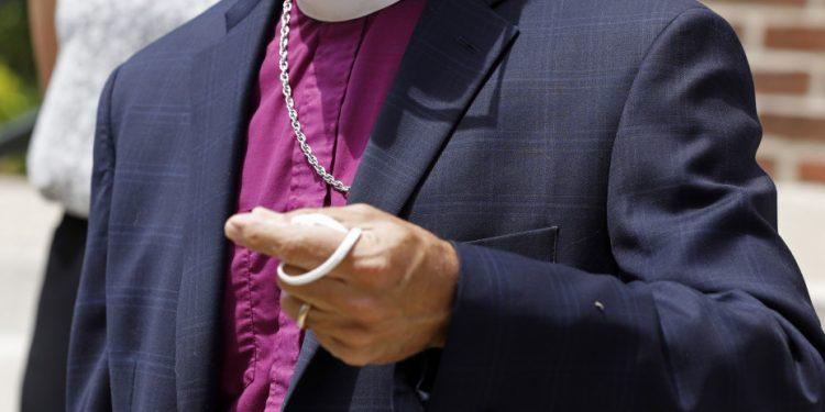 bishop_catholic_ap_20163723082343__0