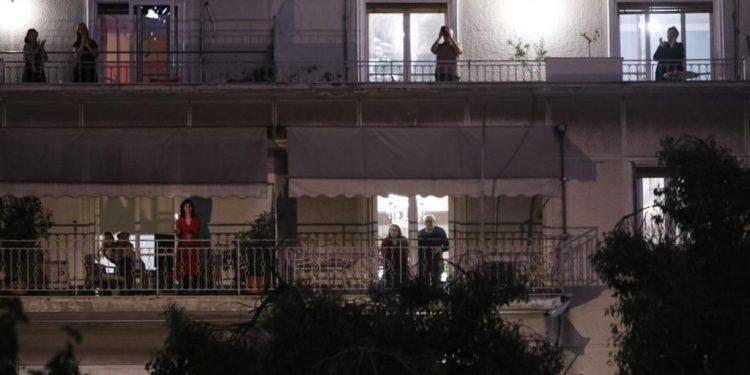 pasxa-balkoni