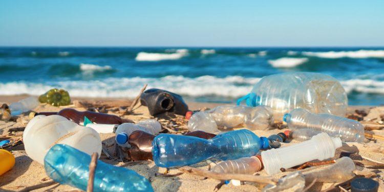 ocean_plastic_shutterstock