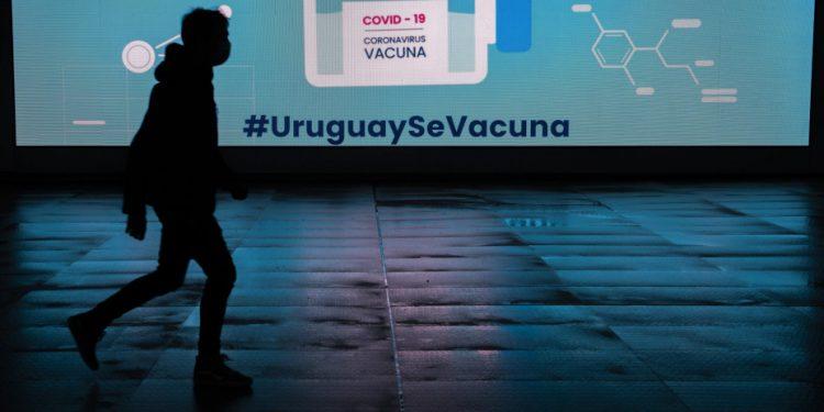 koronoios_uruguay_ap