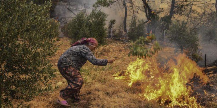 Τουρκία: Στους 8 οι νεκροί στις πυρκαγιές