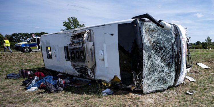 bus_crash_ap
