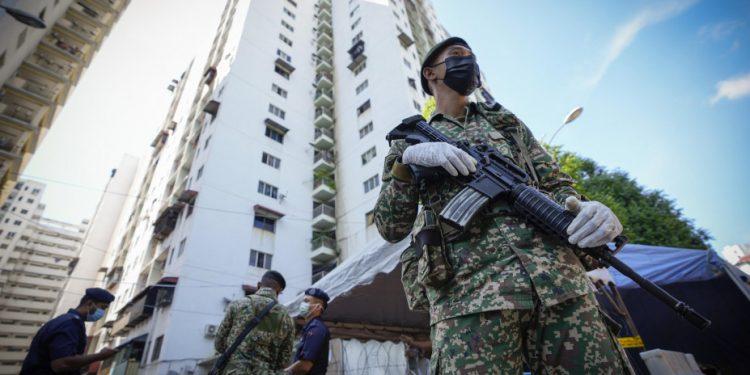 koronoios_malaysia_military_ap_1