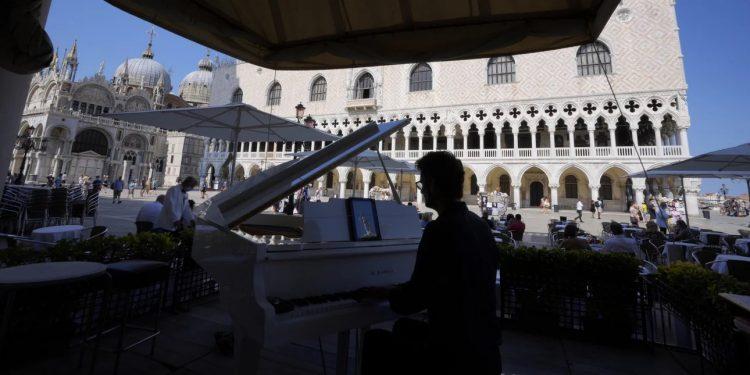 piano-plateia-italia